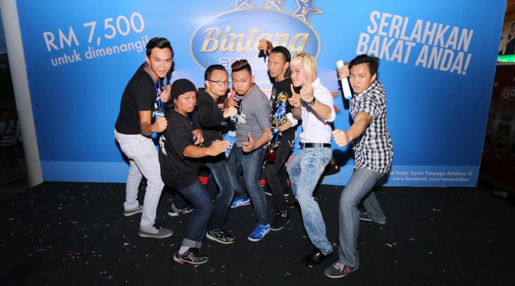 The winner of Bintang Antabax Bersama Servay - Yuri & DNA Crew