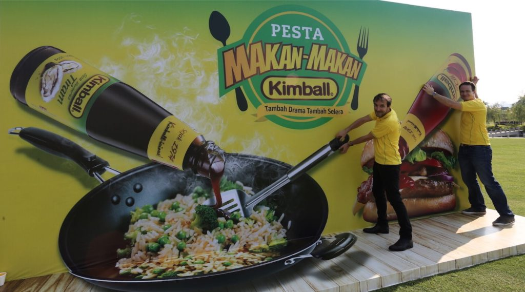 Stephane Vilquin, Marketing Director, Campbell Soup Southeast Asia Sdn Bhd & Paul Serra, General Manager, Campbell Soup Southeast Asia Sdn Bhd, welcoming all visitor to Pesta Makan-Makan Kimball