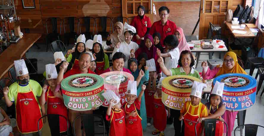 All the recipients of CSR program for Sarawak this year