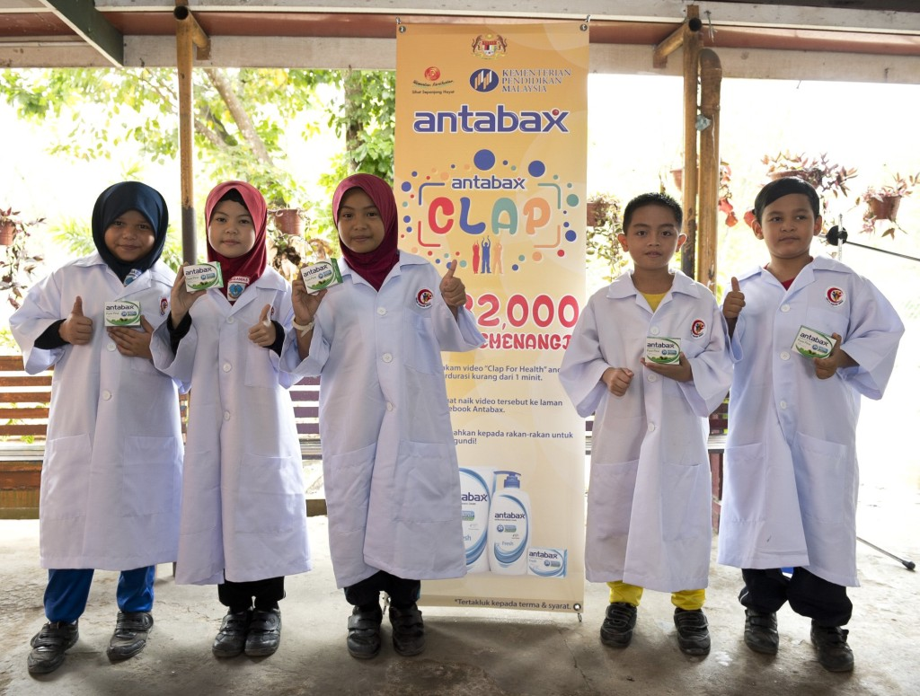 Kelab Doktor Muda SK Pekan Putatan, getting ready for Antabax National Hygiene Campaign 2015 launch for Sabah region.