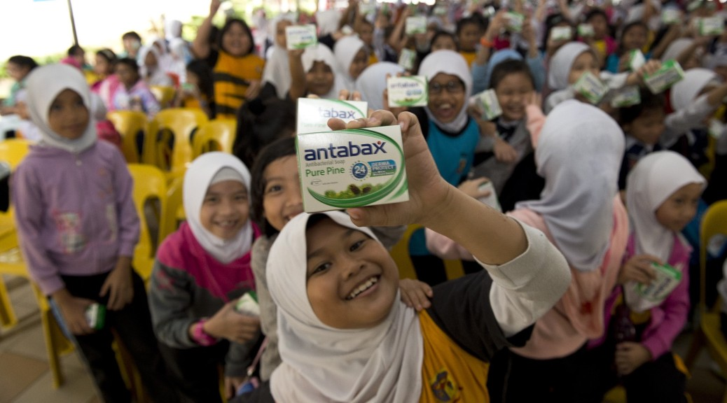 Students from SK Pekan Putatan overjoyed to be a part of Antabax National Hygiene Campaign 2015