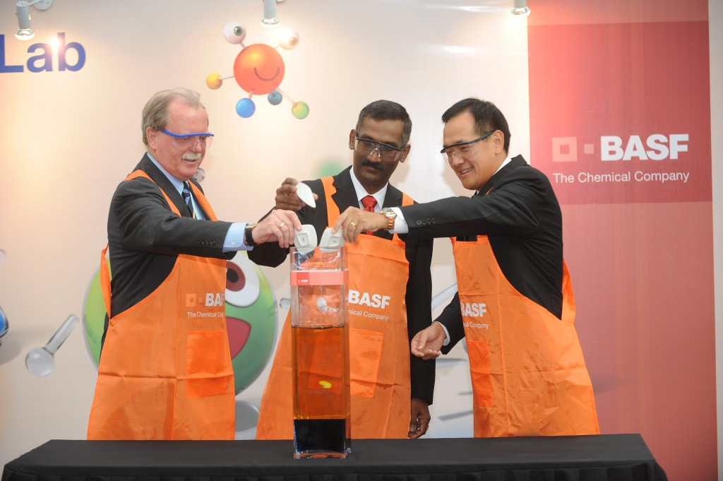 (From Left to Right) Mr. H.E Holger Michael, Ambassador of the Federal Republic of Germany, YB Tuan P. Kamalanathan, Deputy Minister of Education, and Mr. Daniel Loh, Managing Director, BASF (M) Sdn Bhd launch BASF Kids' Lab 2013.