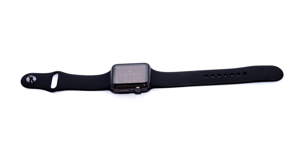 How the watch looks like while laying flat
