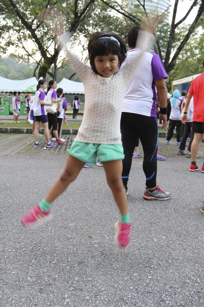 Inez, happy jumping