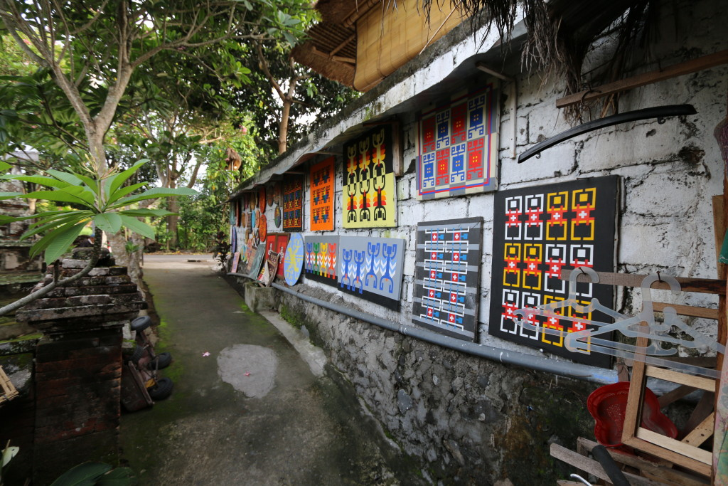 Arts can be seen everywhere at Ubud.
