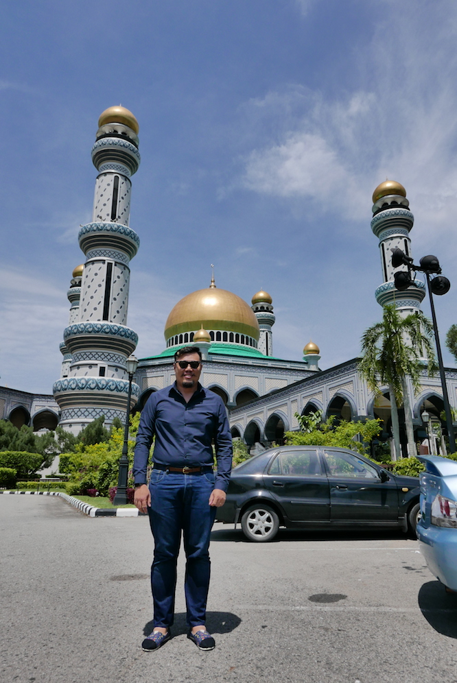 Me, at Jame'asr Hassanil Bolkiah Mosque