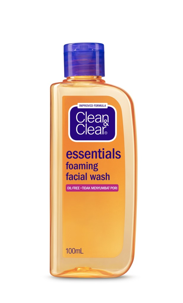 Clean & Clear®'s Newly Formulated Foaming Facial Wash that helps prevent pimples, oily shine and blackheads; thoroughly removing oil and dust without over-drying skin